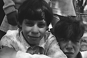 Gregoras Marian à 11 ans (à droite) en 1993 à l'orphelinat de Popricani. Gregoras a été abandonné à la naissance.<br />