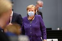 02 DEZ 2020, BERLIN/GERMANY:<br /> Angela Merkel, CDU, Bundeskanzlerin, mit Mund-Nase-Maske, vor Beginn einer Kebinettsitzung, Internationaler Konferenzsaal, Bundeskanzleramt<br /> IMAGE: 20201202-01-016<br /> KEYWORDS: Sitzung, Kabinett, Atemmaske, Maske, Corvid-19, Corona, Pandemie