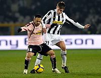 Zdenek Grygera (Juventus) e Fabrizio Miccoli (Palermo) <br /> Torino 28/02/2010 Stadio Olimpico<br /> Juventus Palermo - Posticipo del Campionato di Serie A Tim 2009-10.<br /> Foto Insidefoto
