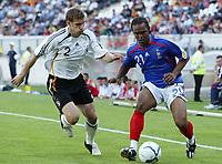 Fotball<br /> EM U21<br /> Frankrike v Tyskland<br /> Foto: Dppi/Digitalsport<br /> NORWAY ONLY<br /> <br /> FOOTBALL - UNDER 21 EUROPEAN CHAMPIONSHIP 2006 - FINAL TOURNAMENT - GROUP A - FRANCE v GERMANY - 25/05/2006 - FLORENT SINAMA PONGOLLE (FRA) / MORITZ VOLZ (GER)