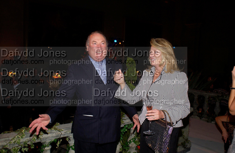 Anthony Oppenheimer and Joan Parker. De Beers host party to launch  their new Radiance Collection at the Victoria & Albert Museum on May 17, 2005 in London, England. ONE TIME USE ONLY - DO NOT ARCHIVE  © Copyright Photograph by Dafydd Jones 66 Stockwell Park Rd. London SW9 0DA Tel 020 7733 0108 www.dafjones.com