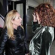 NLD/Muiden/20120611 - Uitreiking 3de CosmoQueen award 2012, Angela Groothuizen en Katja Romer - Schuurman