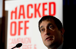 © London News Pictures. 18/03/2013 . London, UK.  Dr Evan Harris speaking at a news conference held by members of The Hacked Off campaign in London on March 18, 2013 the three main political parties said they had reached a deal on press regulation. Photo credit : Ben Cawthra/LNP
