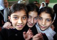Skolejenter, school girls