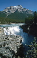 Athabasca Falls, Jasper National park, Alberta, Canada   Photo: Peter Llewellyn