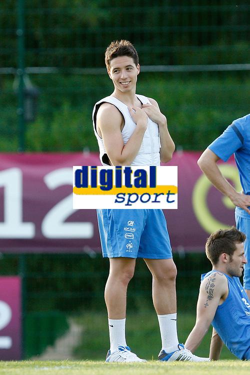 FOOTBALL - UEFA EURO 2012 - KIRCHA - UKRAINE - GROUP STAGE - GROUP D - FRANCE TRAINING - 12/06/2012 - PHOTO PHILIPPE LAURENSON / DPPI - KIRSHA TRAINING CENTER -      FRENCH PLAYERS - SAMIR NASRI