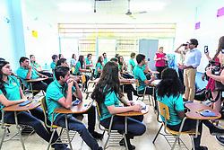 """October 31, 2018 - (01/11/2018) El ministro de Educación, Édgar Mora, les pidió disculpas este miércoles a los alumnos del Liceo de Santa Ana, luego de anunciar la suspensión del examen de Matemática. El funcionario estuvo acompañado por el mandatario, Carlos Alvarado (fuera de foco). PROHIBIDO EL USO O REPRODUCCIÃ""""N EN COSTA RICA. (Credit Image: © Jose Cordero/La Nacion via ZUMA Press)"""