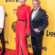 NLD/Scheveningen/20161030 - Premiere musical The Lion King, Jan en Monique des Bouvrie