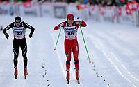 Remo Fischer (SuI) im Zieleinlauf mit Martin Johnsrud Sundby (NOR). (Werner Schaerer/EQ Images)