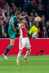 08-05-2019 NED: Semi Final Champions League AFC Ajax - Tottenham Hotspur, Amsterdam<br /> After a dramatic ending, Ajax has not been able to reach the final of the Champions League. In the final second Tottenham Hotspur scored 3-2 / Hakim Ziyech #22 of Ajax, Jan Vertonghen #5 of Tottenham Hotspur