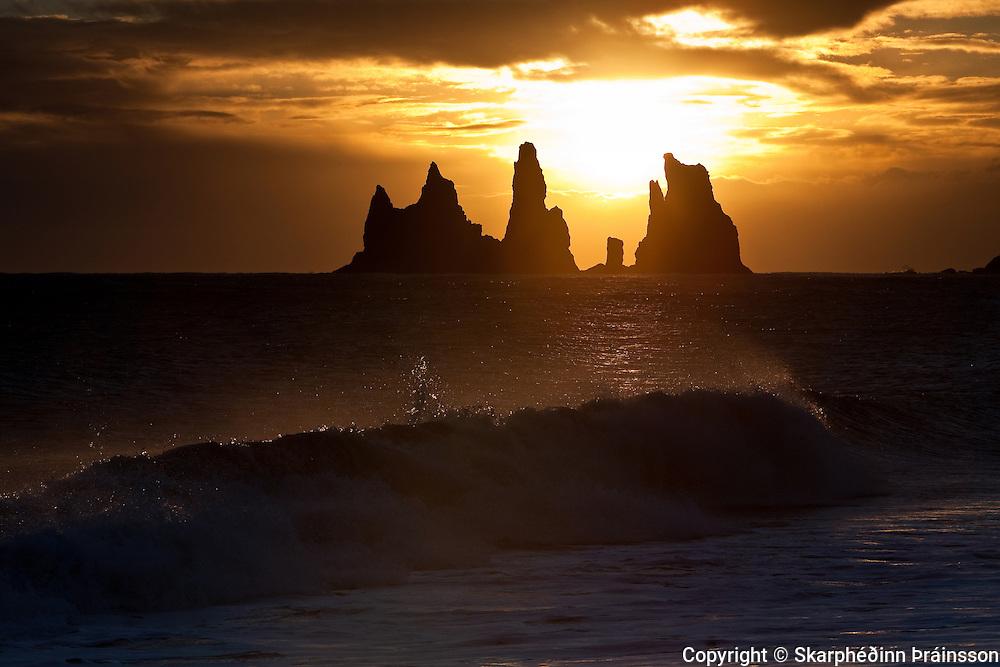 Reynisdrangar pinnacles, Vík in Mýrdalur, south Iceland