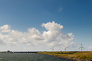 Windmolens bij Hellevoetsluis in Zeeland.<br /> <br /> Wind mills near Hellevoetsluis in Zeeland.