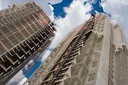 Residencial Duo, sendo construido, na cidade de Sao Paulo / Duo, residential building under construction in Sao Paulo city.