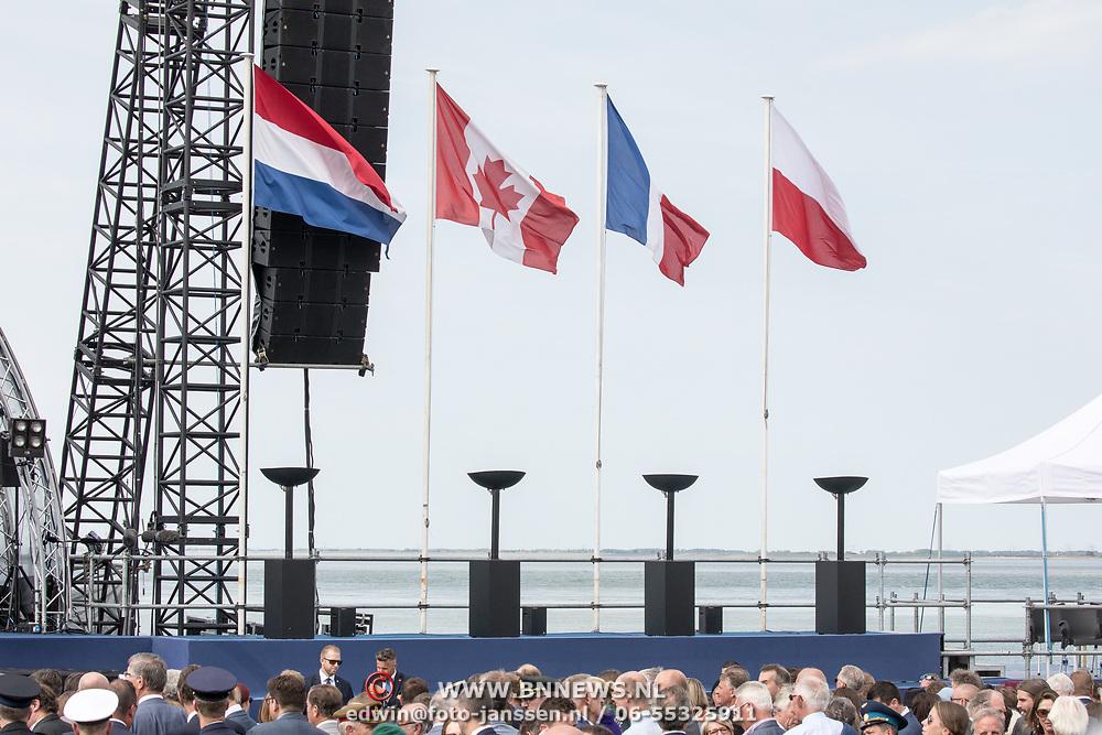 NLD/Terneuzen/20190831 - Start viering 75 jaar vrijheid, Vlaggen van de landen Canada, Nederland, Frankrijk