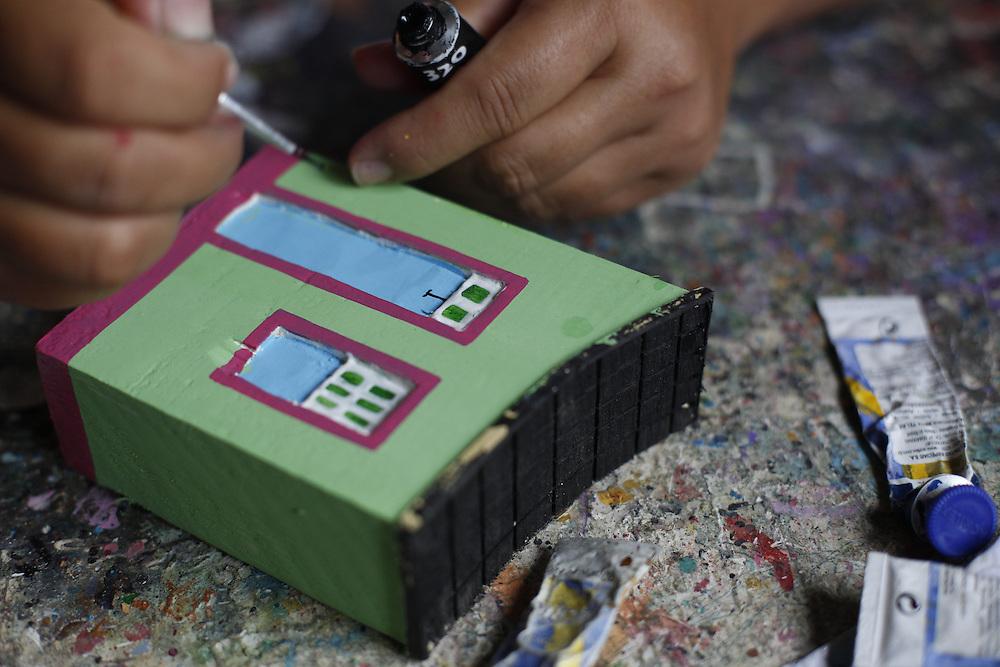 Tiradentes_MG, Brasil.<br /> <br /> Trabalhos de madeira feitos por artesaos em Tiradentes, Minas Gerais.<br /> <br /> Wooden works made by craftsmen in Tiradentes, Minas Gerais.<br /> <br /> Foto: LEO DRUMOND / NITRO