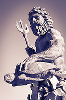 http://Duncan.co/king-neptune-statue