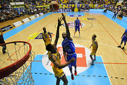 Dowdell Zabien<br /> FIAT Torino - MIA-Red October Cantù<br /> Lega Basket Serie A 2016-2017<br /> Torino 26/03/2017<br /> Foto Ciamillo-Castoria/M.Matta