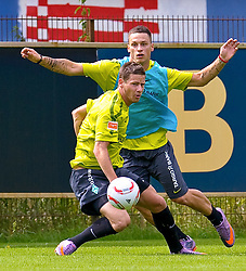 06.07.2010,Platz 05, Bremen, GER, 1. FBL, Training Werder Bremen , im Bild  Zweikmapf Marko Arnautovic ( Werder #07) gegen Timo Perthel (Bremen #45)   EXPA Pictures © 2010, PhotoCredit: EXPA/ nph/  Kokenge / SPORTIDA PHOTO AGENCY