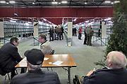 Nederland, Zwolle, 3-1-2020De Nederlandse Bond van Vogelliefhebbers, NBvV organiseert in de IJsselhallen te Zwolle onder de naam VOGEL 2020 de Nederlandse Kampioenschappen voor volièrevogels.Zij organiseert jaarlijks een nationale tentoonstelling, als afsluiting van het tentoonstellingsseizoen. De organisatie van dit evenement steunt grotendeels op honderden vrijwilligers.Zo'n 9.000 wedstrijdvogels van de hoogste kwaliteit en ingezonden door zo'n 1.000 inzenders uit geheel Nederland zijn te bewonderen. Er is een aparte competitie voor jeugdleden.Foto: Flip Franssen