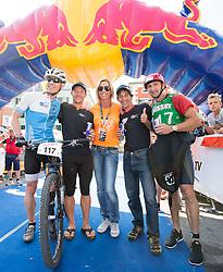 10.09.2016, Lienz, AUT, Red Bull Dolomitenmann 2016, Ziel, im Bild v.l. Ernst Scheiber (AUT, Mountainbiker), Oliver Dreier (AUT, Paragleiter), Anita Gerharter (Wings for Life), Michael Kurz (AUT, Bergläufer), Hans Niederwimmer (AUT, Kajak) vom Team Wings for Life Heros // during the Finish of the 2016 Red Bull Dolomitenmann at the Lienz, Austria on 2016/09/10. EXPA Pictures © 2016, PhotoCredit: EXPA/ Johann Groder