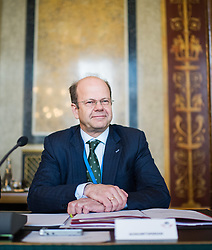 27.05.2015, Parlament, Wien, AUT, Parlament, Untersuchungsausschuss zur Klärung des Hypo Alpe Adria Finanzdebakels. im Bild OeNB- Vizegouverneur Andreas Ittner // vice governor of the National Bank of Austria Andreas Ittner during meeting of parliamentary enquiry committee according to financial disaster of the Hypo Alpe Adria bank at austrian parliament in Vienna, Austria on 2015/05/27, EXPA Pictures © 2015, PhotoCredit: EXPA/ Michael Gruber