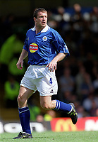 Gerry Taggart (Leicester City). Leicester City v Aston Villa, 19/8/2000, F.A. Carling Premiership. Credit : Colorsport / Matthew Impey.