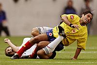Fotball<br /> Landskamp<br /> Tyskland v Colombia<br /> 02.06.2006<br /> Foto: Imago/Digitalsport<br /> NORWAY ONLY<br /> <br /> Fabian Vargas (Kolumbien, re.) prallt mit Miroslav Klose (Deutschland) zusammen