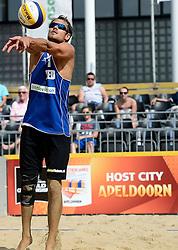 17-07-2014 NED: FIVB Grand Slam Beach Volleybal, Apeldoorn<br /> Poule fase groep A mannen - Reinder Nummerdor (1) NED
