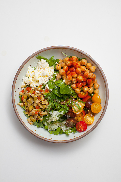 Chickpea and Arugula Salad from the fridge (m€) - COVID-19 Social Distancing