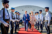 Staatsbezoek van Koning Willem Alexander en Koningin Máxima, aan de Portugese Republiek.<br /> <br /> Statevisit of King Willem Alexander and Queen Maxima to the republic of Portugal<br /> <br /> Op de foto / On the photo:  Vertrek van de Koning en Koningin vanaf Vliegveld Figo Maduro