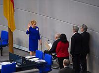 DEU, Deutschland, Germany, Berlin, 14.03.2018: Bundesfamilienministerin Dr. Franziska Giffey (SPD) schwört den Amtseid bei der Vereidigung der Bundesminister im Deutschen Bundestag.