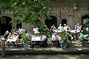 Genieten van een zomerse dag langse de grachten in Utrecht.