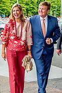 Koning Willem-Alexander en koningin Maxima tijdens de openingswedstrijd van WEURO2017het EK voetbal