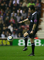 Fotball<br /> England 2004/2005<br /> Foto: SBI/Digitalsport<br /> NORWAY ONLY<br /> <br /> Middlesbrough v Fulham, Barclays Premiership, Riverside Stadium, Middlesbrough 19/04/2005.<br /> The referee, Mr Rob Styles, who is to take charge of the FA Cup Final between Manchester United and Arsenal, looks to control the ball.