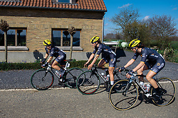 Wiggle Hi5 regroup after early issues for Elisa Longo Borghini - Women's Ronde van Vlaanderen 2016. A 141km road race starting and finishing in Oudenaarde, Belgium on April 3rd 2016.