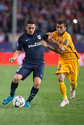 13.04.2016, Estadio Vicente Calderon, Madrid, ESP, UEFA CL, Atletico Madrid vs FC Barcelona, Viertelfinale, Rueckspiel, im Bild Atletico de Madrid's Koke and FC Barcelona Dani Alves // during the UEFA Champions League Quaterfinal, 2nd Leg match between Atletico Madrid and FC Barcelona at the Estadio Vicente Calderon in Madrid, Spain on 2016/04/13. EXPA Pictures © 2016, PhotoCredit: EXPA/ Alterphotos/ BorjaB.Hojas<br /> <br /> *****ATTENTION - OUT of ESP, SUI*****