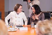 14 MAR 2018, BERLIN/GERMANY:<br /> Annette Widmann-Mauz (L), CDU, Beauftragte der Bundesregierung fuer Migration, Fluechtlinge und Integration, und Dorothee Baer (R), CSU, Staatsministerin fuer Digitales, vor Beginn der ersten Sitzung des Kabinetts Merkel IV, Kabinettsaal, Bundeskanzleramt<br /> IMAGE: 20180314-02-009<br /> KEYWORDS: Dorothee Bär, Kabinett, Kabinettsitzung, Sitzung,, neues Kabinett