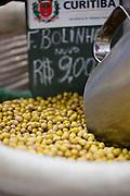 Curitiba_PR, Brasil...Mercado Municipal da cidade de Curitiba, Parana. Na foto detalhe de feijao...Municipal Market in Curitiba, Parana. In this photo some beans...Foto: BRUNO MAGALHAES / NITRO