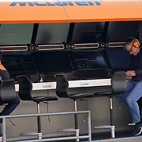 19.02.2020, Circuit de Catalunya, Barcelona, Formel 1 Testfahrten 2020 in Barcelona<br /> , im Bild<br />Lando Norris (GBR#4), McLaren F1 Team, Carlos Sainz, father of Carlos Sainz Jr. (SPA#55), McLaren F1 Team<br /> <br /> Foto © nordphoto / Bratic