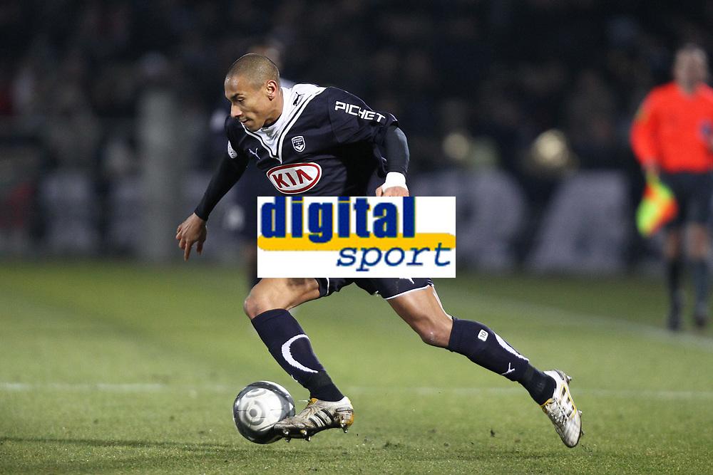 FOOTBALL - FRENCH CHAMPIONSHIP 2009/2010 - L1 - GIRONDINS BORDEAUX v US BOULOGNE - 30/01/2010 - PHOTO ERIC BRETAGNON / DPPI - JUSSIE (BOR)