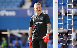Everton goalkeeper Jordan Pickford warming up before the game