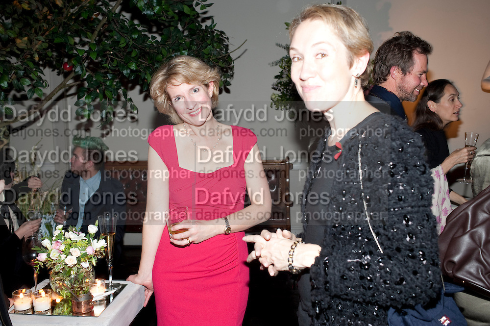 JANE THYNNE; JUSTINE PICARDIE, Party for Perfect Lives by Polly Sampson. The 20th Century Theatre. Westbourne Gro. London W11. 2 November 2010. -DO NOT ARCHIVE-© Copyright Photograph by Dafydd Jones. 248 Clapham Rd. London SW9 0PZ. Tel 0207 820 0771. www.dafjones.com.