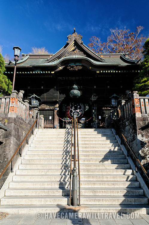 The gatehouse, or Niomon, that forms the main entrance. The Narita-san temple, also known as Shinsho-Ji (New Victory Temple), is Shingon Buddhist temple complex, was first established 940 in the Japanese city of Narita, east of Tokyo.