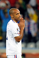 FOOTBALL - FIFA WORLD CUP 2010 - GROUP STAGE - GROUP A - URUGUAY v FRANCE - 11/06/2010 - THIERRY HENRY (FRA)<br /> PHOTO FRANCK FAUGERE / DPPI