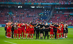 AMSTERDAM, THE NETHERLANDS - Saturday, June 26, 2021: Wales players come together in a huddle after the UEFA Euro 2020 Round of 16 match between Wales and Denmark at the  Amsterdam Arena. Denmark won 4-0. (Photo by David Rawcliffe/Propaganda)