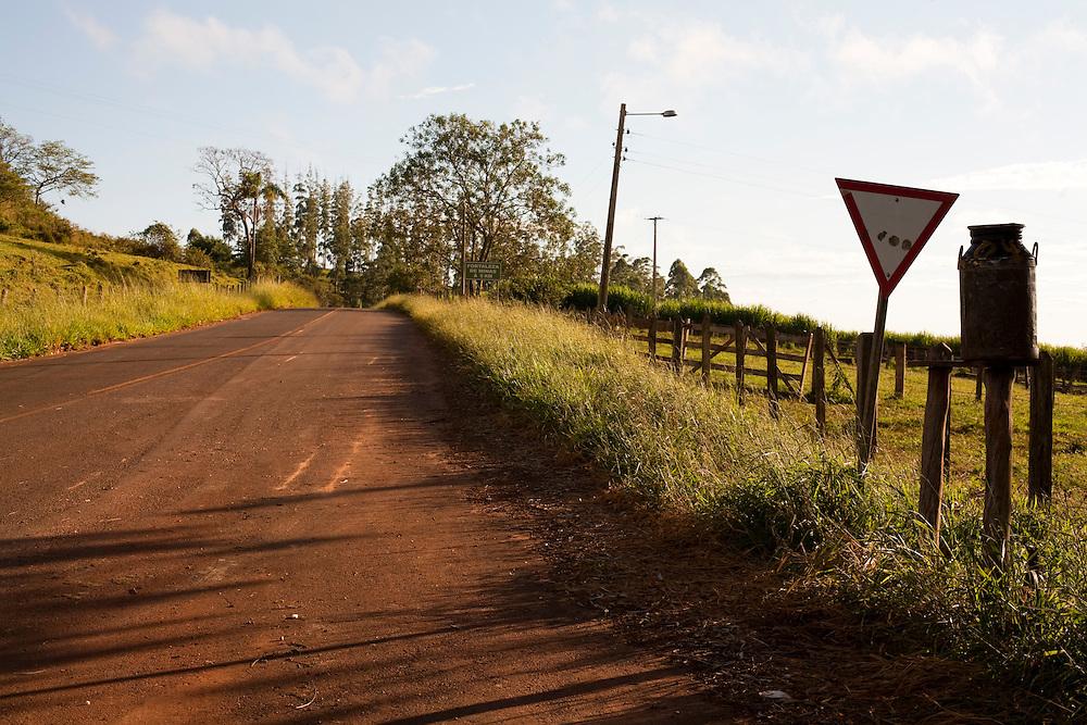 Jacui_MG, Brasil...Rodovia em Jacui...A highway in Jacui...Foto: LEO DRUMOND / NITRO