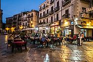 Open-air inn in Piazza San Domenico