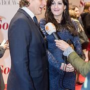 NLD/Amsterdam/20161128 - Premiere Soof 2, Vincent Croiset en zwangere partner Tina de Bruin