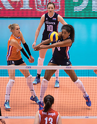 15-05-2016 JAP: OKT Nederland - Zuid Korea, Tokio<br /> Er is nog niets verloren, maar de volleybalsters van Oranje hebben tijdens het OKT een gevoelige 3-0 nederlaag geleden tegen Zuid-Korea / Celeste Plak #4, Debby Stam-Pilon #16