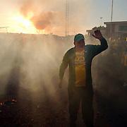 SV Huizen 1 kampioen 2003 hoofdklasse a, vuurwerk, supporters, feest, ondergaande zon